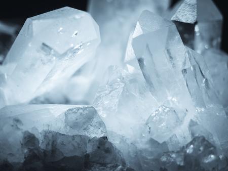 Photo pour Mineral Crystal Quartz rock white texture Nature abstract background - image libre de droit