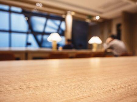Photo pour Table top Counter Blur Bar cafe Lounge Interior background - image libre de droit