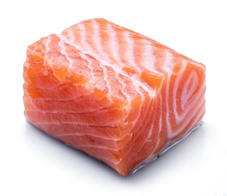 Photo pour Fresh raw salmon fillet isolated on white background. - image libre de droit