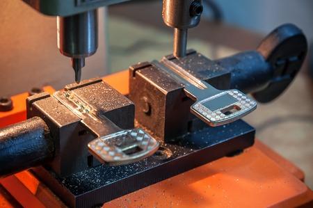 locksmith duplicate machine make new key