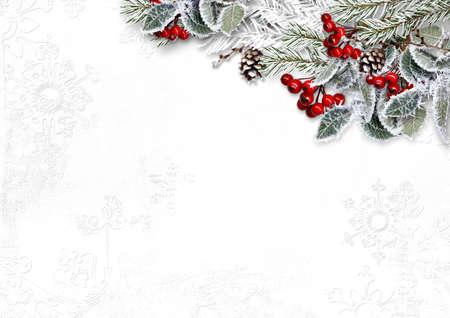 Foto de Christmas white background with beautiful fir tree border and red berries - Imagen libre de derechos