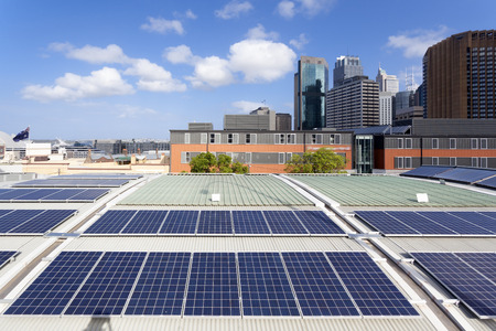 Photo pour Rooftop solar panels - image libre de droit