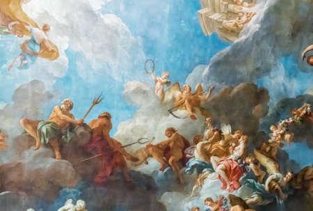 Photo pour VERSAILLES PARIS, FRANCE - April 18 : Ceiling painting in Hercules room of the Royal Chateau Versailles on April 18, 2015 at the Palace of Versailles near Paris, France - image libre de droit