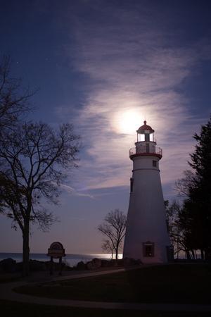 Marblrhead Lighthouse with the supermoon.