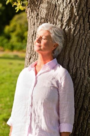 Foto für Senior woman in the park - Lizenzfreies Bild