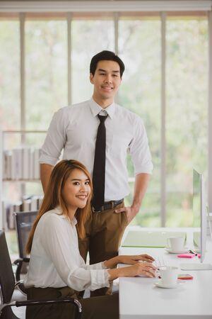 Foto de Asian business coworker people talking in the meeting room - Imagen libre de derechos