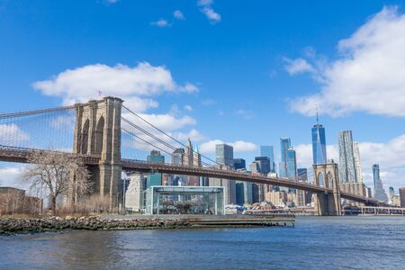 Photo pour Brooklyn Bridge with Manhattan downtown and Cityscape on sunny day with clear blue sky New York USA - image libre de droit