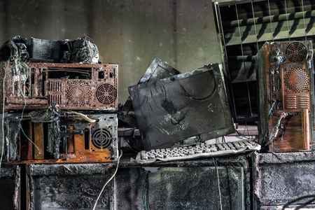 Photo pour Personal computer burnt due to electricity short circuit - Threat to computer hardware concept - image libre de droit
