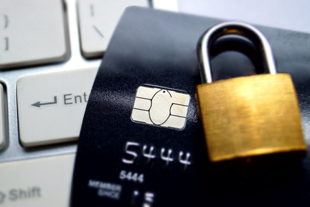 Photo pour credit card data encryption security - image libre de droit