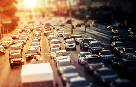 Foto de Highway Traffic at Sunset. Tilt Shift Concept Photo. Traffic in Las Vegas Nevada, USA. - Imagen libre de derechos