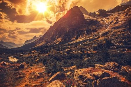 Foto de Italian Alps Scenery. Northern Italy Mountain Landscape. - Imagen libre de derechos