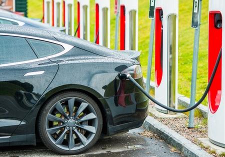 Photo pour Electric Cars Battery Charging Station. Modern Transportation Technologies. - image libre de droit
