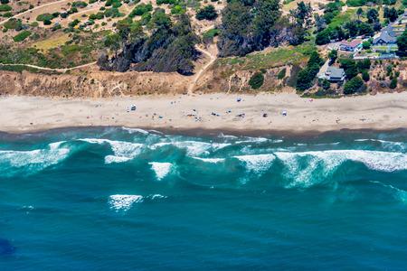 Photo pour The aerial view of California coast near the city of Aptos, close to the city of Santa Cruz. - image libre de droit