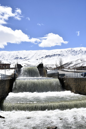 Shahin Shahr to Fereydoun Shahr, Esfahan, on the spring road trip, within 2 hour drive environment will totally change