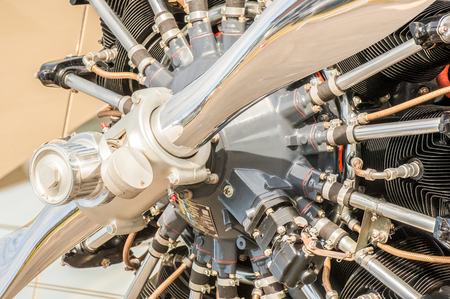 Photo pour close-up of a vintage aircraft propeller engine - image libre de droit