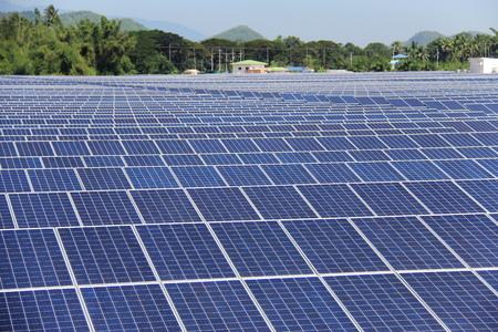 Photo pour Large Scale On-ground Solar PV Power Plant - image libre de droit