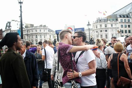 Gay Pride Kiss