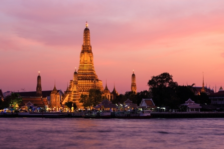 Wat arun (temple of dawn) at