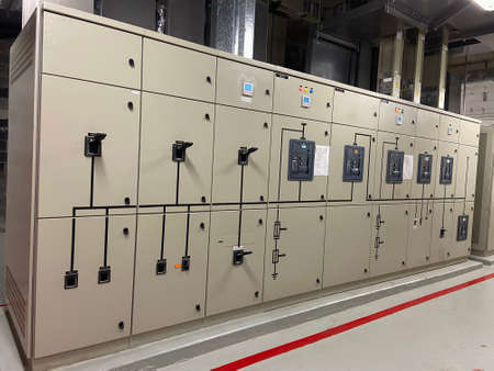 Photo pour Electrical switch control cabinet, electrical switchboard in industrial plants or power plants - image libre de droit