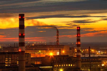 Photo pour industrial power plant night landscape with lights - image libre de droit