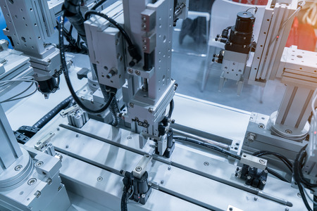 Photo pour robotic hand machine tool at industrial manufacture factory - image libre de droit