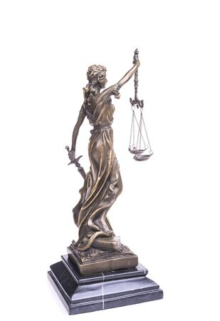 Photo pour Statue of justice isolated on white, law concept - image libre de droit