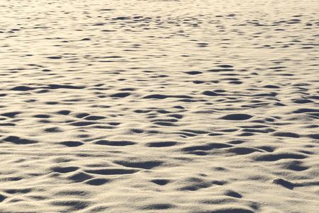 SchneeflÀche im Gegenlicht, textur, snow surface against the light, texture,