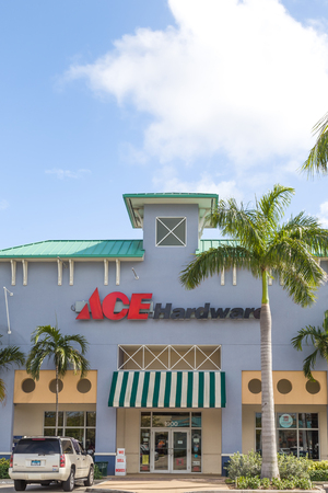 FORT LAUDERDALE, FLA/USA - APRIL 14, 2017: Ace Hardware retail hardware store. Ace Hardware Corporation is a hardware retailers' cooperative.