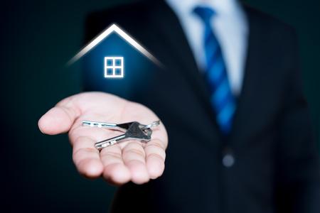 Photo pour Real estate agent - image libre de droit