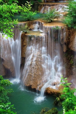 Foto de waterfall in thai national park - Imagen libre de derechos