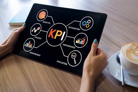 Photo pour KPI Key Performance Indicator. Industrial Manufacturing Business Marketing Strategy Concept. - image libre de droit