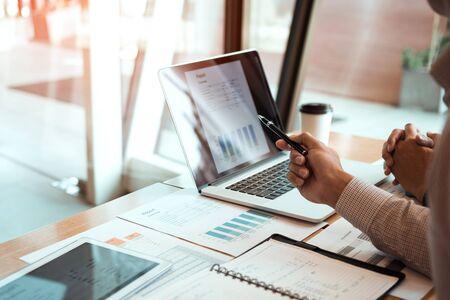 Saber cómo valorar una empresa se vuelve esencial no solo al venderla sino en otras ocasiones.