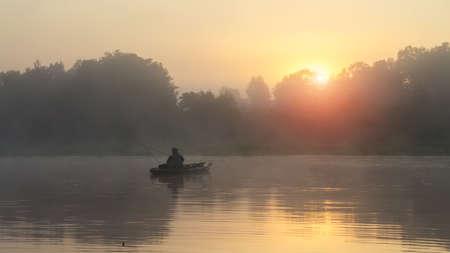 Photo pour Fishing on the kayak. - image libre de droit
