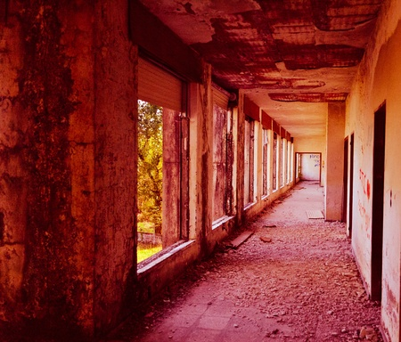 est abandoned corridor