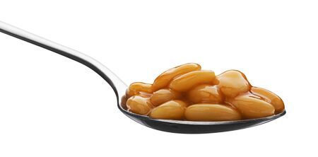 Photo pour Metal spoon of baked beans in tomato sauce isolated on white background with clipping path - image libre de droit