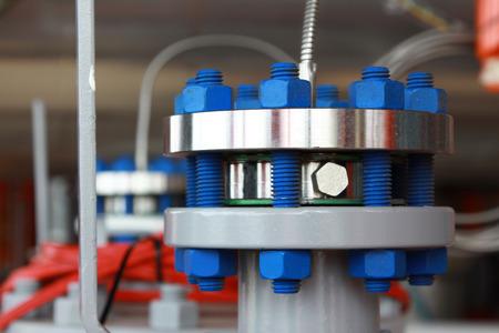 Photo pour oil and gas pipes flange with stud bolt - image libre de droit