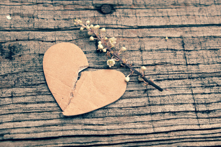 Photo pour Divorce background with broken heart and message on wooden, unhappy marriage and adultery problem make stress life, society issue in modern lifestyle - image libre de droit