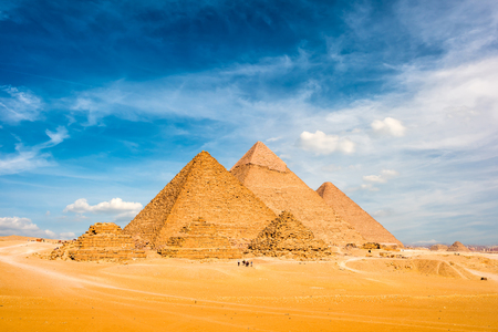 Photo pour The Great Pyramids of Giza, Egypt - image libre de droit