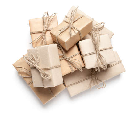 Foto für Gift boxes with recycled paper on white. This file is cleaned, retouched and contains clipping path. - Lizenzfreies Bild
