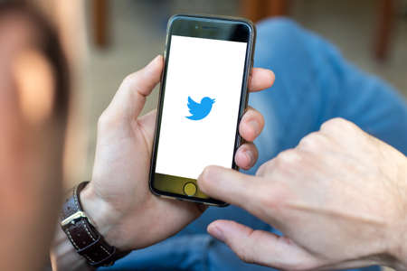 Photo pour Antalya, TURKEY - November 23, 2020. Cell phone showing Twitter app logo. - image libre de droit