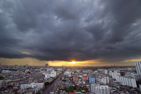 Strom Cloud in the city