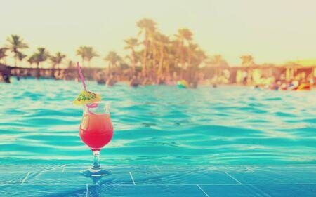 Photo pour drink a cocktail on vacation. Selective focus. nature - image libre de droit