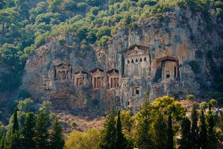 Famous Lycian Tombs of ancient Caunos city, Dalyan, Turkeyの素材 [FY31080624056]