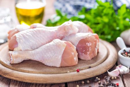 Foto für raw chicken legs - Lizenzfreies Bild