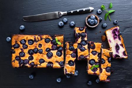 Photo pour blueberry cake - image libre de droit