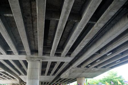 Photo pour Structural photos and cement beams under the expressway - image libre de droit