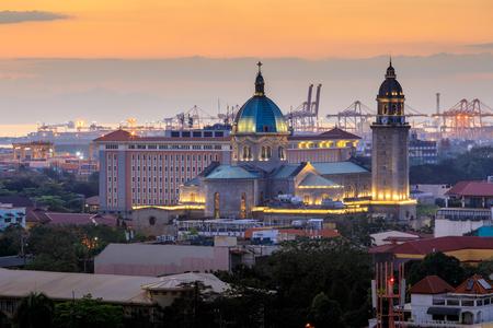 Foto für Manila Cathedral at sunset, Philippines - Lizenzfreies Bild