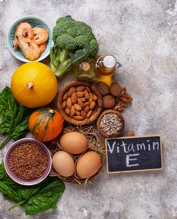 Photo pour Assortment food sources of vitamin E - image libre de droit