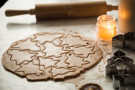 Photo pour christmas gingerbread dough for gingerbread on the kitchen table - image libre de droit