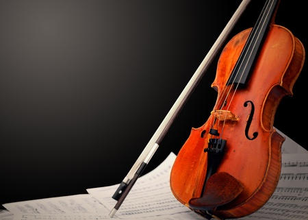 Musical instrument ᅵ violin and notes